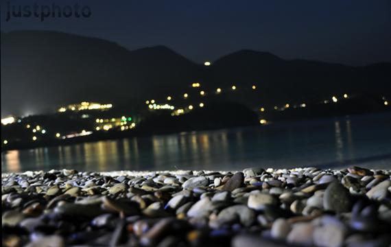 Κοκκάρι by night..