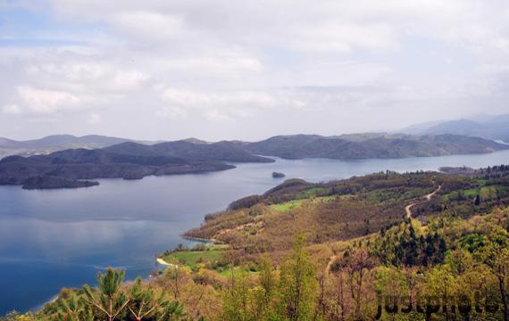 Θέα από Νεοχώρι, Λίμνη πλαστήρα..